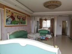 (龙都)龙城华庭5室2厅2卫157m²豪华装修