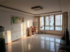(龙都)阳光河畔3室2厅2卫139m²精装修