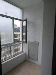 (龙都)龙城华庭1室1厅1卫46m²毛坯房