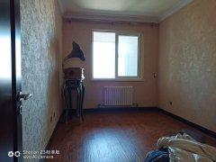 (龙都)龙都新苑4室2厅2卫145m²豪华装修