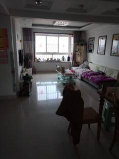 (龙都)君临公寓3室2厅2卫128m²精装修