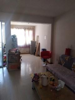 (龙都)2081正好3室2厅1卫87m²简单装修带附房双证