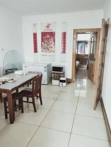 繁华小区3室2厅1卫140m²中档装修
