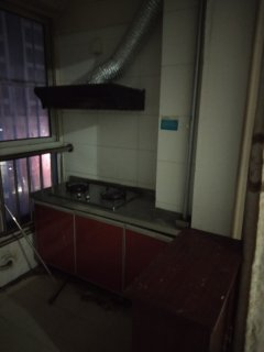 (龙都)金地翰林1室1厅1卫50m²简单装修