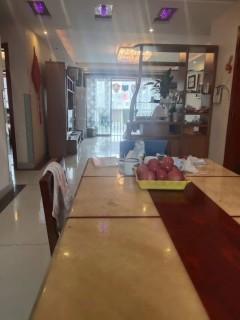 (龙都)诚通·香榭里3室2厅2卫135m²精装修