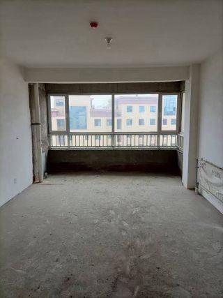 (龙都)龙城华庭5室2厅2卫