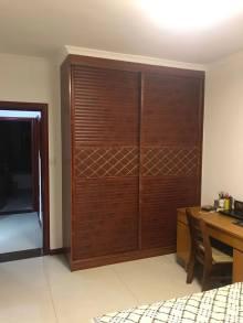 (龙都)龙都新苑3室2厅2卫131.24m²精装修带车库3楼