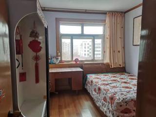 双实验学区房 利群法院家属楼3室1厅1卫104m²
