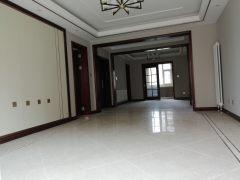 (南湖)大源·枫香小镇4室2厅2卫168万158.3m²出售