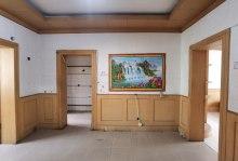(兴华学校)裕泰祥花园46万80m²带附房一楼带院出售