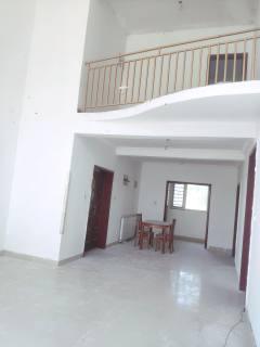 (龙都)诚通·香榭里5室3厅2卫220万224m²简单装修出售