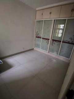 龙源双语附近(龙都)怡秀园小区2室1厅1卫38万85m²精装修出售,带附房,楼层佳,回迁,全款