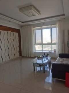 (龙都)龙城华庭3室2厅1卫1300元/月143m²出租